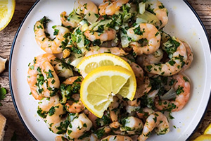 Garlic King Prawns by Hungry Healthy Happy
