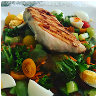 Early lunch because I just couldn't wait ?? grilled chicken, lots of yummy salad bits and bobs. Sweet chilli dressing. #helathyfood #healthylife #hungrymummy #tefal #tefaloptigrill #quickandeasy